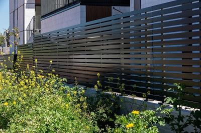 גדר אלומיניום למרפסת